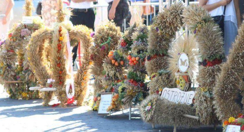 uroczystości obchody, Strongmani dożynkach Szumowie - zdjęcie, fotografia