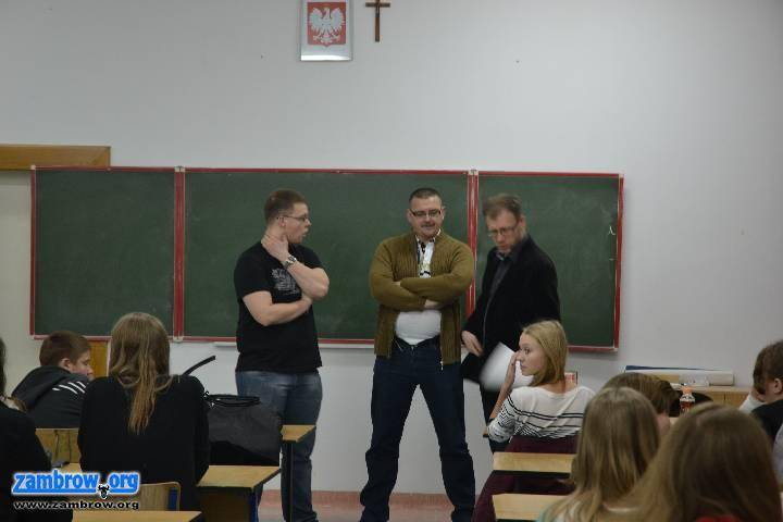 społeczeństwo, Wolontariusze WOŚP spotkali policjantami - zdjęcie, fotografia