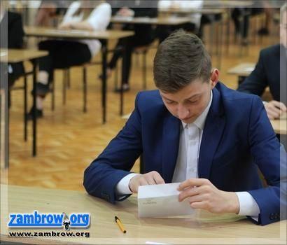 edukacja, uczniów naszym powiecie zmierzy egzaminem gimnazjalnym - zdjęcie, fotografia