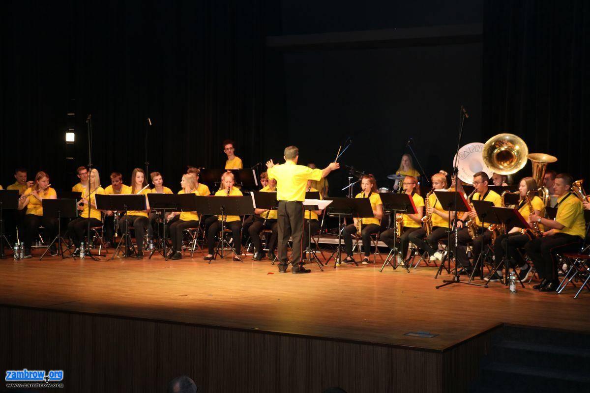 """muzyka koncerty, Międzynarodowa Młodzieżowa Orkiestra Dęta """"Wersalinka"""" koncertowała [foto] - zdjęcie, fotografia"""