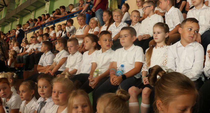 edukacja, galeria zdjęć rozpoczęcia szkolnego 2019/2020 [foto] - zdjęcie, fotografia