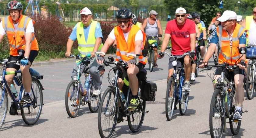 rowery i kolarstwo, Zapraszamy ostatni krótkodystansowy - zdjęcie, fotografia