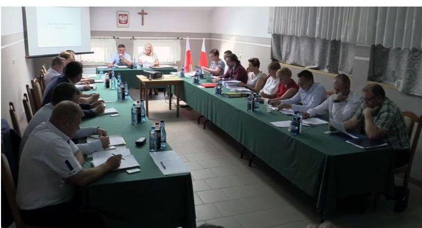 Rada Gminy Kołaki radni, Radna zdobyła mandat głosowania - zdjęcie, fotografia