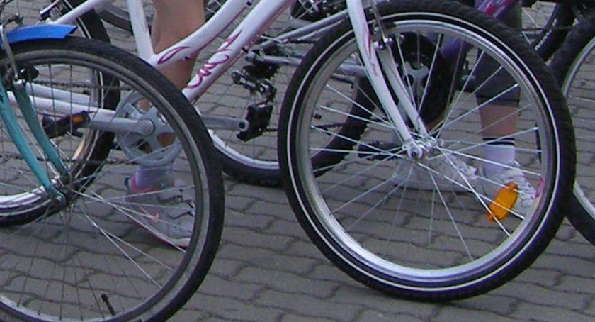 policja, Rower szuka właściciela - zdjęcie, fotografia