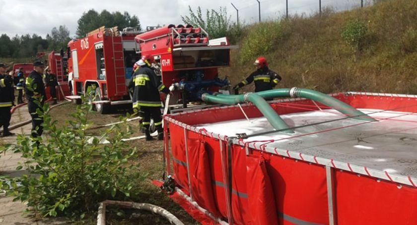 pożary i straż, Ćwiczenia strażaków Czerwonym Borze - zdjęcie, fotografia