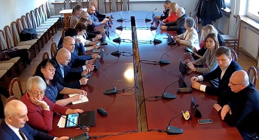 Rada Miasta Zambrów radni, sesja Miasta ŻYWO - zdjęcie, fotografia