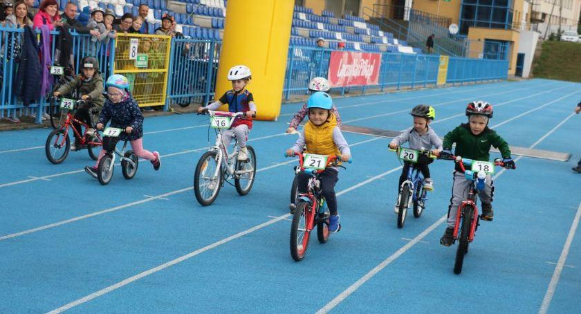 rowery i kolarstwo, Ścigali zakończenie sezonu [foto] - zdjęcie, fotografia