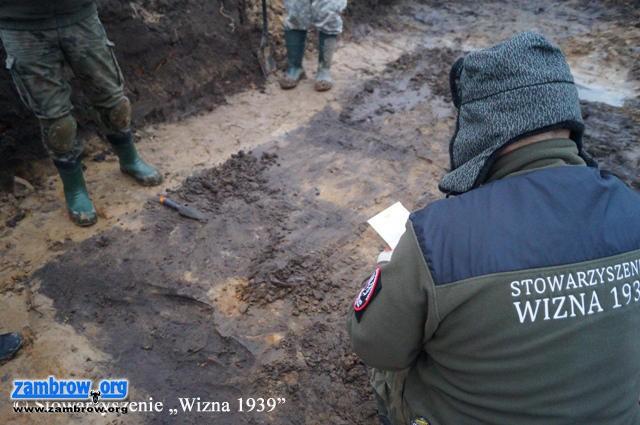 RIH Historia, Żołnierze zbiorowej mogiły zostaną pochowani Szumowie - zdjęcie, fotografia