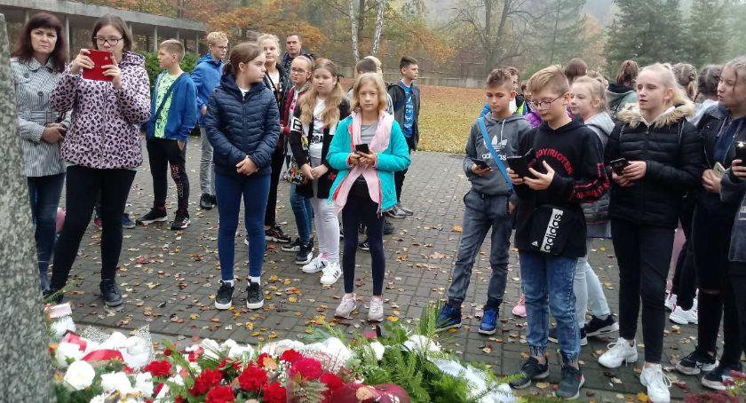 """edukacja, Wycieczka szóstoklasistów """"Trójki"""" Warszawy Palmir - zdjęcie, fotografia"""