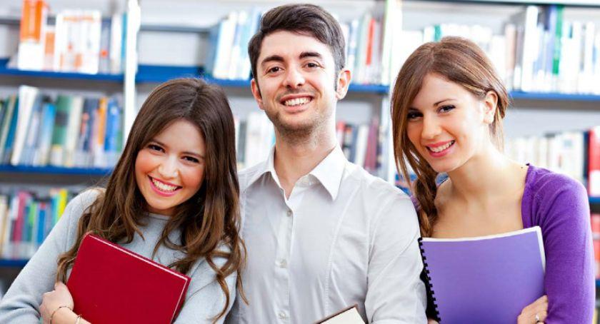 edukacja, Doktoranci obowiązkowo ubezpieczeni - zdjęcie, fotografia