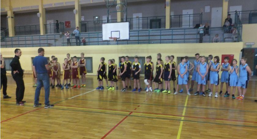 koszykówka, Uczniowie zambrowskich podstawówek rywalizowali koszykówkę [wyniki] - zdjęcie, fotografia