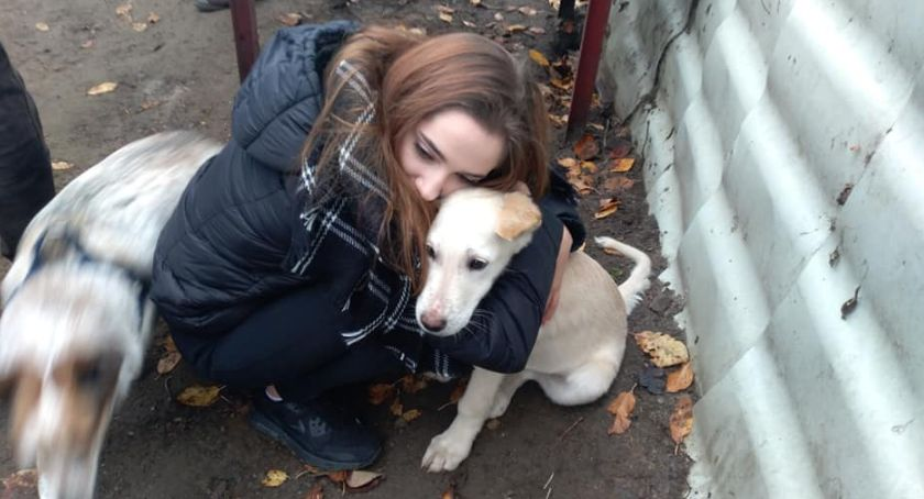 """charytatywne wolontariat, Młodzież """"Czerwoniaka"""" pomaga zwierzakom - zdjęcie, fotografia"""