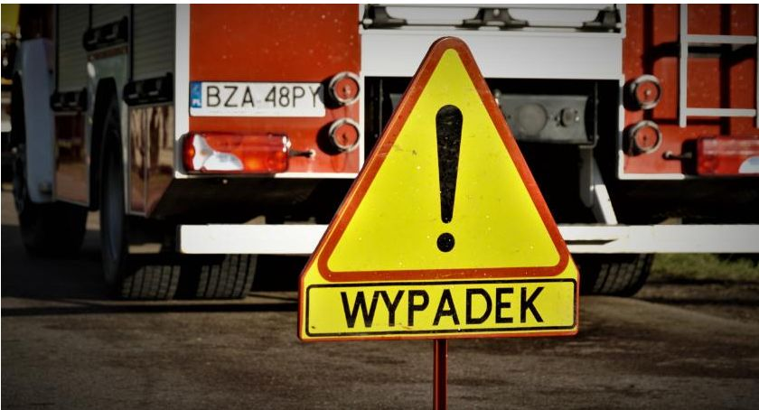 wypadki drogowe , Potrącenie przejściu pieszych - zdjęcie, fotografia