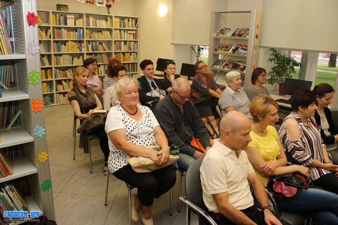 książki publikacje, Spotkanie autorskie Elizy Sarnackiej–Mahoney [foto] - zdjęcie, fotografia