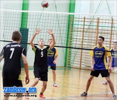 siatkówka piłka ręczna, Mistrzostwa powiatu zambrowskiego piłce siatkowej gimnazjów - zdjęcie, fotografia