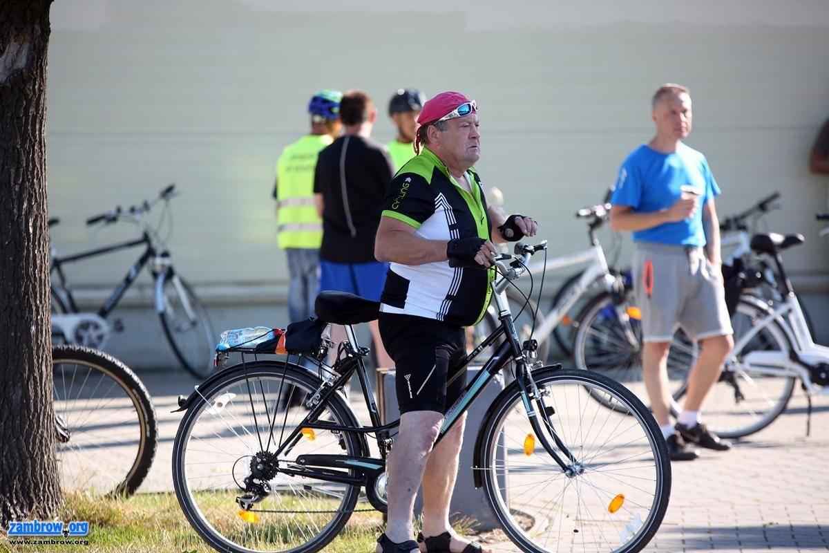 rekreacja wypoczynek, Rowerzyści udali Nowogrodu [foto] - zdjęcie, fotografia
