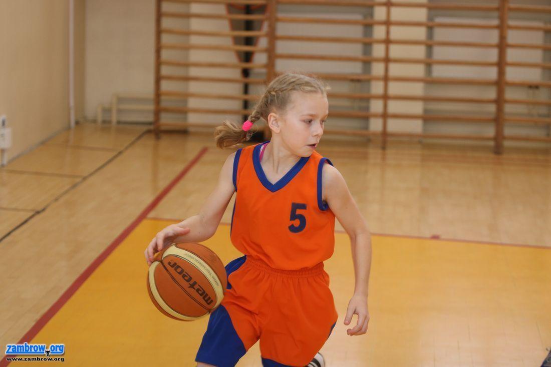 """koszykówka, """"Czwórka"""" znów najlepsza zawodach sportowych szczeblu miasta [foto] - zdjęcie, fotografia"""