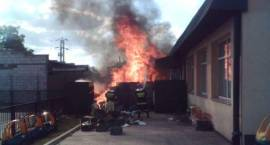 Pożar przy centrum handlowym