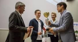 Uczeń ILO najlepszy w konkursie informatycznym organizowanym przez wyższą uczelnię