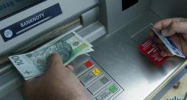 Ukradła kartę płatniczą i wypłaciła sobie pieniądze