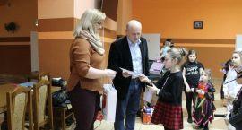 W Szumowie rozstrzygnięto świąteczny konkurs plastyczny