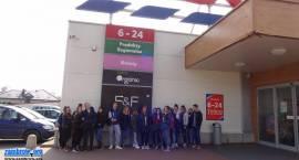 Handlowcy z ZSA na lekcji w supermarkiecie [foto]