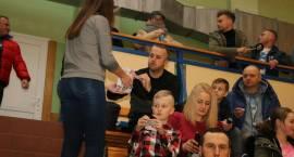Charytatywny mecz w Zambrowie. FC Zambrów i MOKS Słoneczny Stok Białystok grali dla Marcelka [foto+v