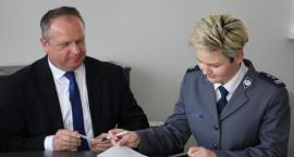 Powiat dotuje ponadnormatywne służby w zambrowskiej policji