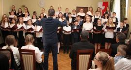 Koncert w Szkole Muzycznej z okazji 3. Maja [foto]