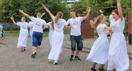 FISHMOB po raz pierwszy w Zambrowie - zatańczyli dla św. Jana Pawła II