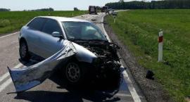 Trzy osoby poszkodowane wskutek wypadku na DK63. Droga zablokowana [aktualizacja]