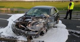 BMW uderzyło w barierki. S8 była zablokowana - AKTUALIZACJA [foto]