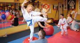 Dzień Dziecka w Zambrowskim Klubie Karate Kyokushin [foto+video]