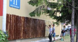 Młodzież z ZSA malowała szczyty bloków [foto]