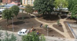 Trwa renowacja skweru na koszarach [foto]