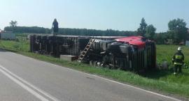 Uwaga: droga do Czyżewa zablokowana. Ciężarówka w rowie [aktualizacja]