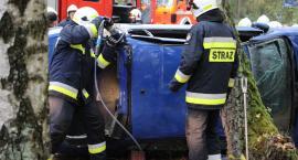 Cztery osoby ranne w wypadku i pożar lasu [foto]