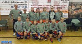 Dziewczęta UKS Orkan tuż za podium na turnieju w Działdowie