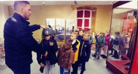 """Uczniowie """"Trójki"""" z wizytą w Regionalnej Izbie Historycznej"""