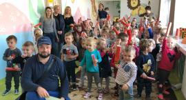 Listonosz odwiedził przedszkolaki z MP5