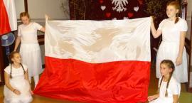 """""""Z pieśnią przez dzieje Polski"""" w Starym Skarżynie"""