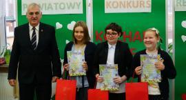 """Uczniowie klas integracyjnych rywalizowali w konkursach patriotycznych """"Kocham Cię, Polsko!"""" [foto]"""