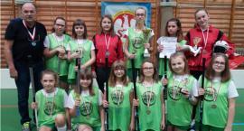 Dziewczęta z SP w Starym Zakrzewie wicemistrzyniami województwa podlaskiego w unihokeju