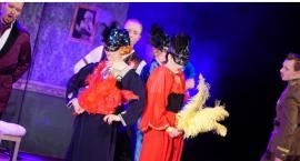 Babcie i dziadkowie obejrzeli widowisko operetkowe [foto]