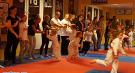 Karatecy obchodzili mikołajki [foto]
