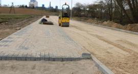 Wznowili budowę drogi wzdłuż rzeki Jabłonki [foto]