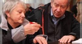 Zapisz się na zajęcia z obsługi tabletu – oferta dla seniorów