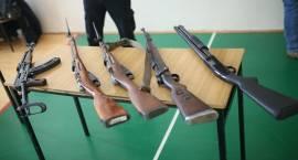 Wystawa broni palnej w ZSO i SP4 [foto]