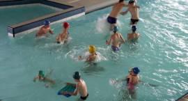 Nudzisz się w domu? Trzy razy w tygodniu możesz bezpłatnie korzystać z basenu!