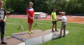 Chłopcy z SP4 awansowali do ogólnopolskiego finału w czwórboju lekkoatletycznym!